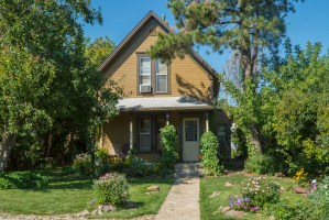 West Boulevard Rapid City home - Great Curb Appeal