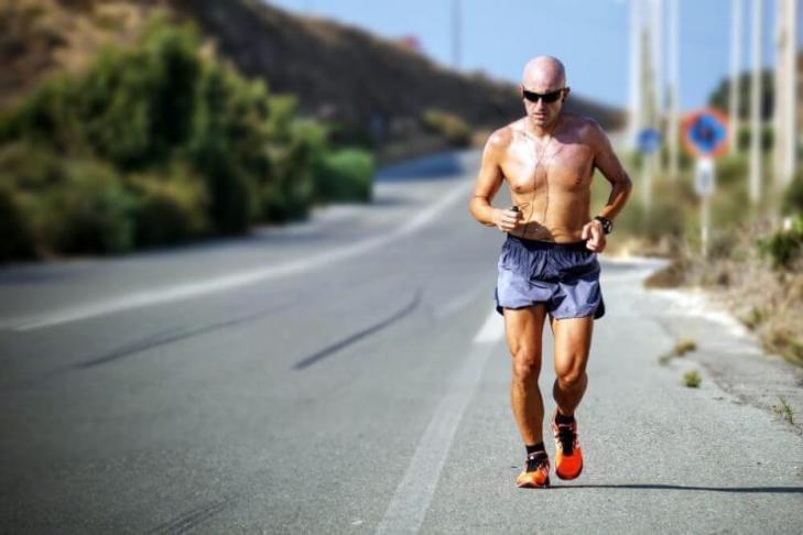 Bar Brothers System - man jogging