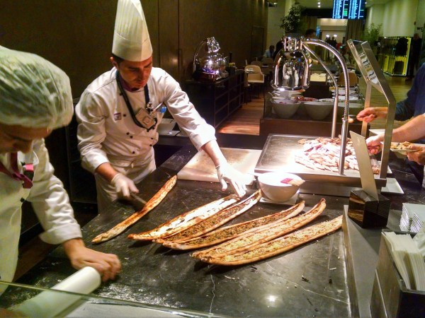 turkish-airlines-ist-lounge-pide