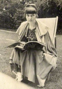 NPG Ax140568; Katherine Mansfield by Lady Ottoline Morrell