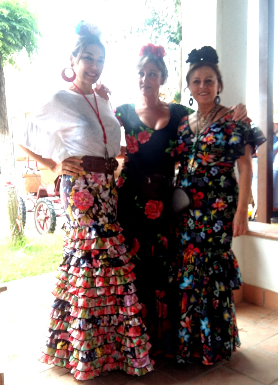 Mis amigas Charo y Gloria Serrano