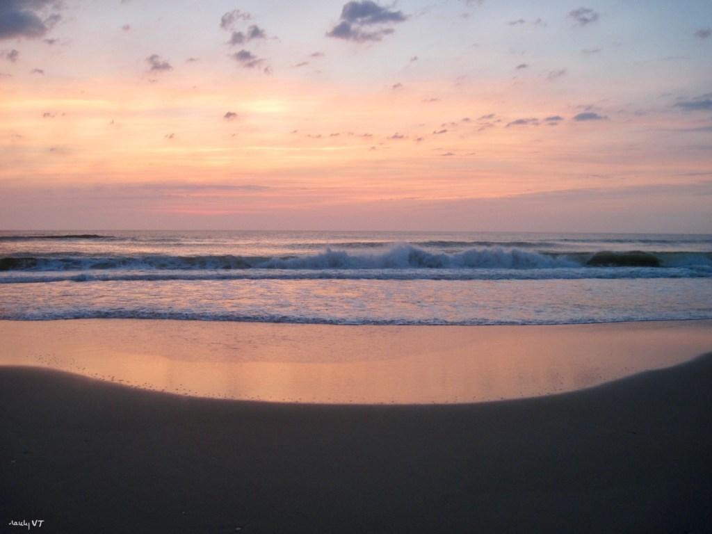 Outer Banks sunrise 190430
