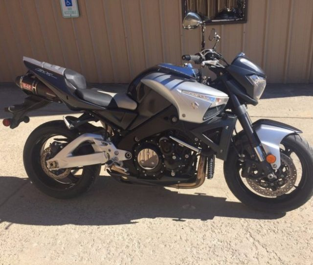 Ah The Suzuki B King The Rarer Cousin Of The Suzuki Hyabusa The B King Is The Juicehead King Of The Naked Muscle Bike Segment Suzukis Answer To An