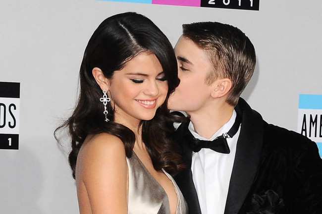 Selena-Gomez-and-Justin-Bieber-650x432