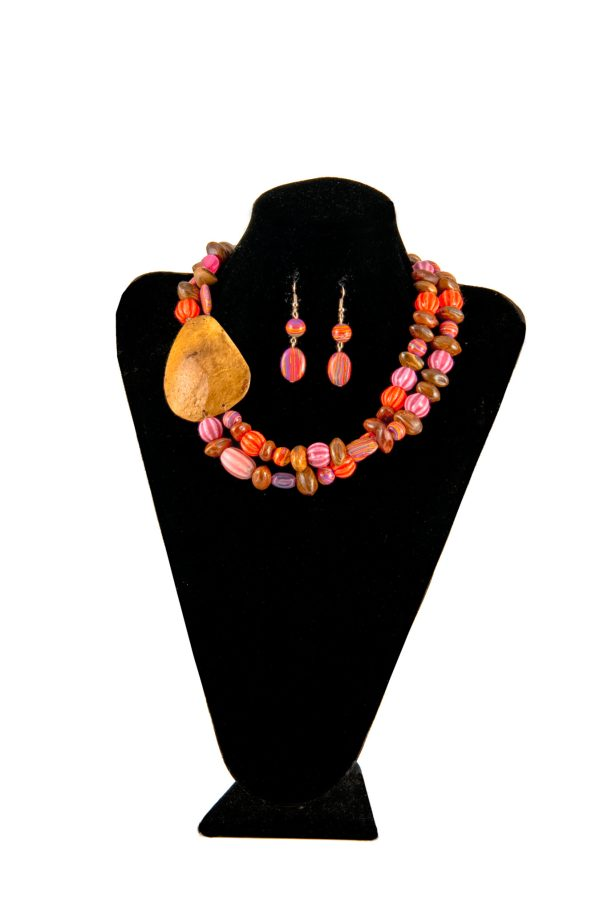 Autumn Crop Authentically Bahamian Jewlery. Necklaces, earings, bracelets and rings made from natures bounty.