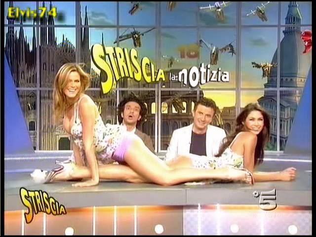 Striscla La Notizia hot sexy Veline girls heat up Italian ...