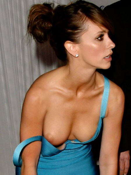 jennifer-love-hewitt-oops-downblouse-photo-1024x1024