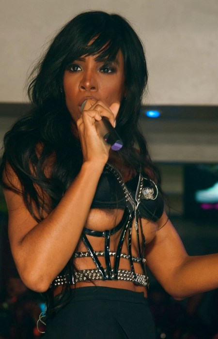 Kelly Rowland On Stage Double Nipple Slip www.GutterUncensored.com 007
