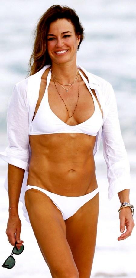 kelly-bensimon-in-bikini-on-the-beach-in-miami_1
