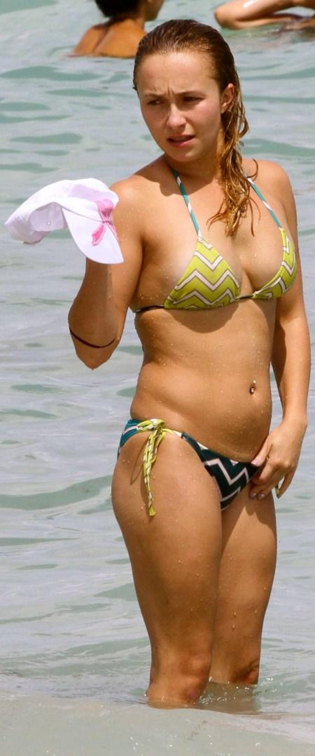 Hayden-Panettiere-hot-in-bikini-photo-11