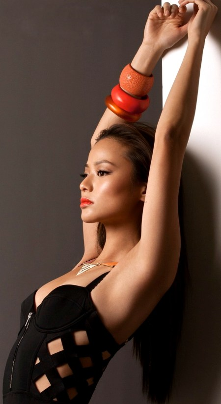 jamie-chung-covers-bello-magazine-action-issue-03