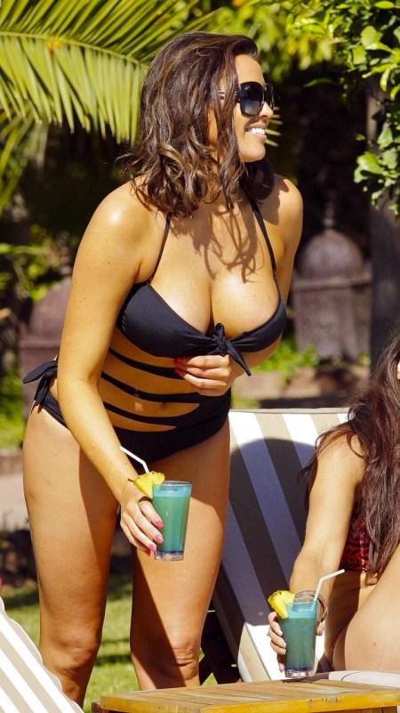Jessica-Wright-Bikini-Photos--2014-in-Marrakech--20-720x1126