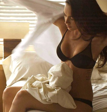 Megan-Fox-in-Esquire-magazine-megan-fox-26790601-2000-1124