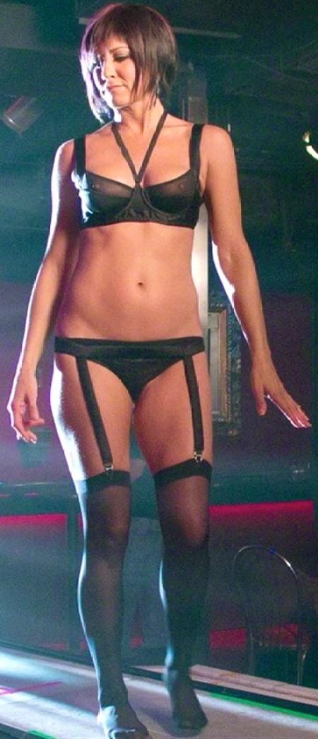 Jennifer-Aniston-Naked-01