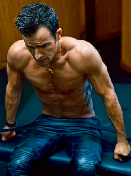 justin-theroux-shirtless