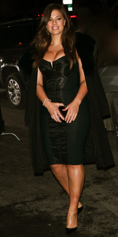 as-ey-graham-black-dress-sports-illustrated-party-main-sports-illustrated-937384602