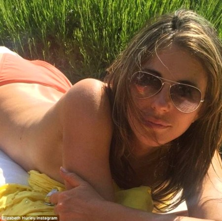 34f20f5700000578-3626395-sunny_disposition_elizabeth_hurley_lapped_up_the_british_sunshin-a-37_1465170011442