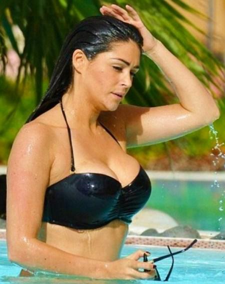 casey-batchelor-bikini-pics-at-holiday-in-tenerife-february-2015_4