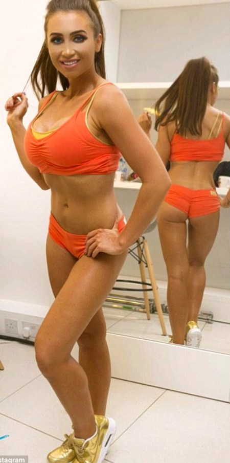 309eebd500000578-3418909-the_former_towie_star_made_sure_to_show_off_the_results_of_her_h-a-1_1453890359052