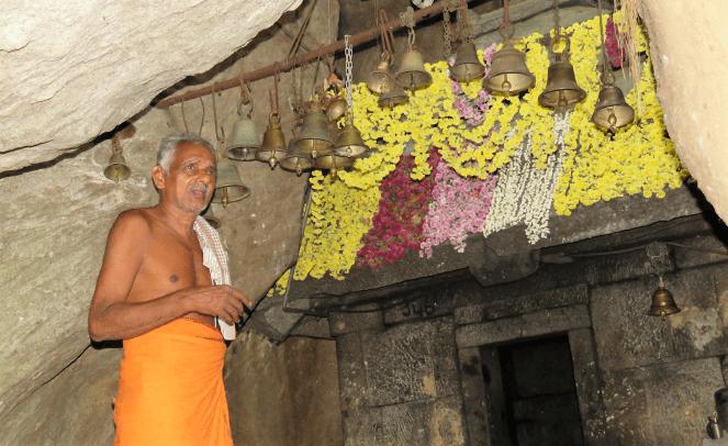 The main priest at the Kallu Ganapati temple