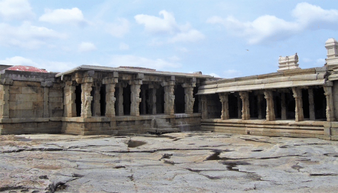 Another view of the Lepakshi temple
