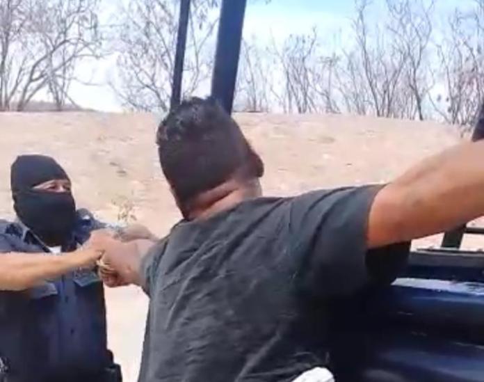 Mazatlán: Otra de policías; ahora encapuchados dan batazos a ...