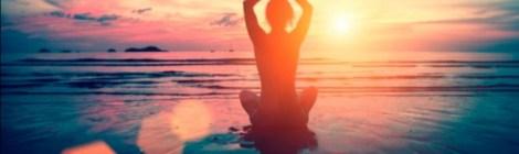 Da la bienvenida al 2020 con cuatro rituales de meditación