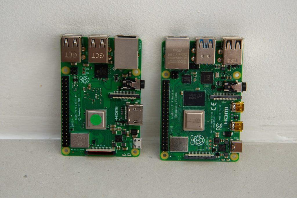 Raspberry Pi 3 vs  Raspberry Pi 4