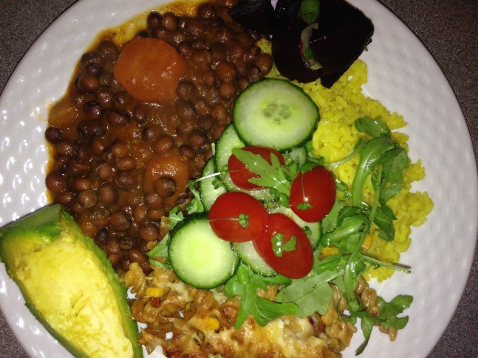 (Good Memories: This is a typical sunday dinner that we would have as children, stewed Gungo peas, rice, vegan macaroni, salad, avocado and beetroot salad.)