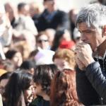 Papa pozvao vjernike da u listopadu svaki dan mole krunicu