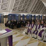 Papa: Molite Gospodina hrabro, a ne mlako, zauzmite se svim snagama