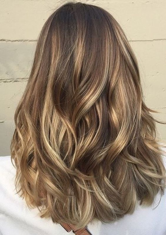 The most fashionable types of dyeing for long hair 27