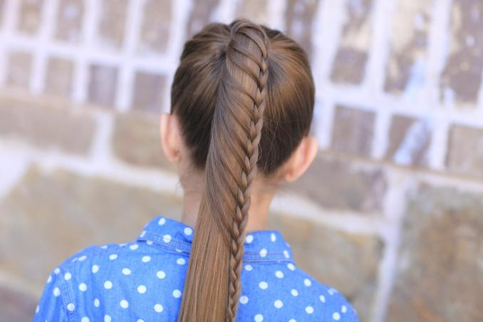 Simple and trendy hairstyles to school 19