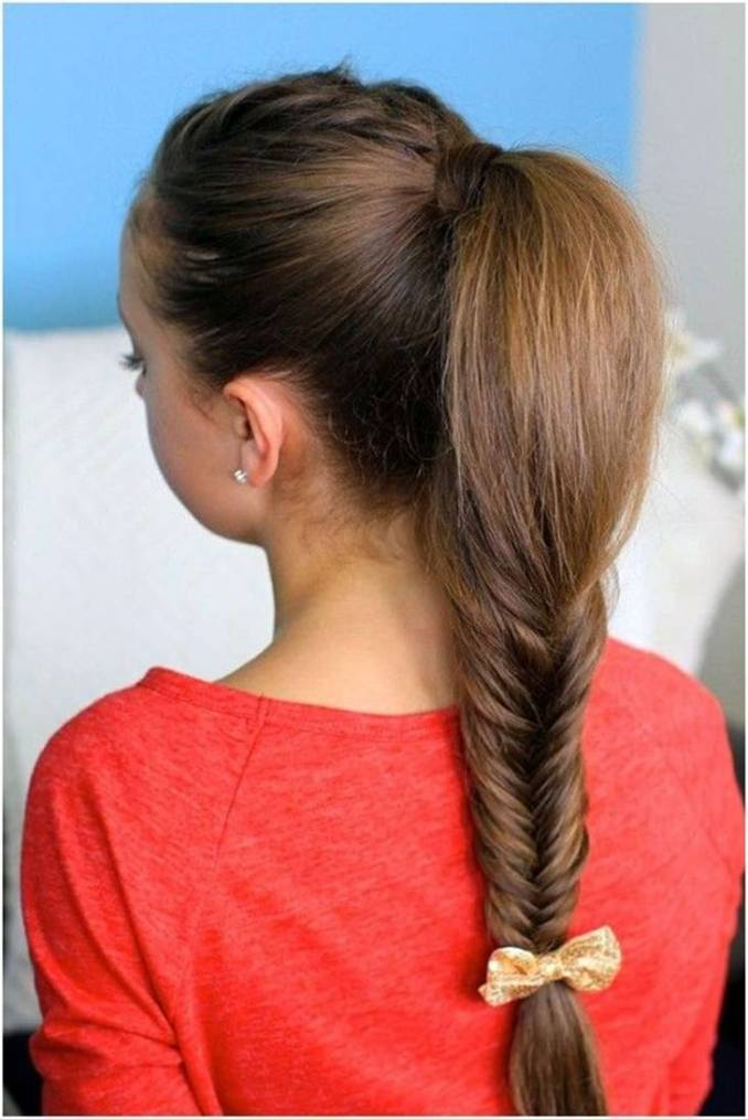 Simple and trendy hairstyles to school 12