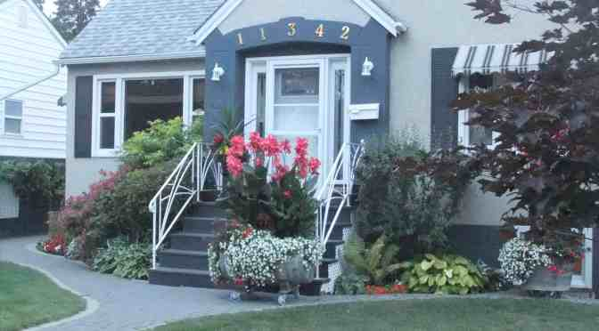 Edmonton's Front Yards are in Bloom