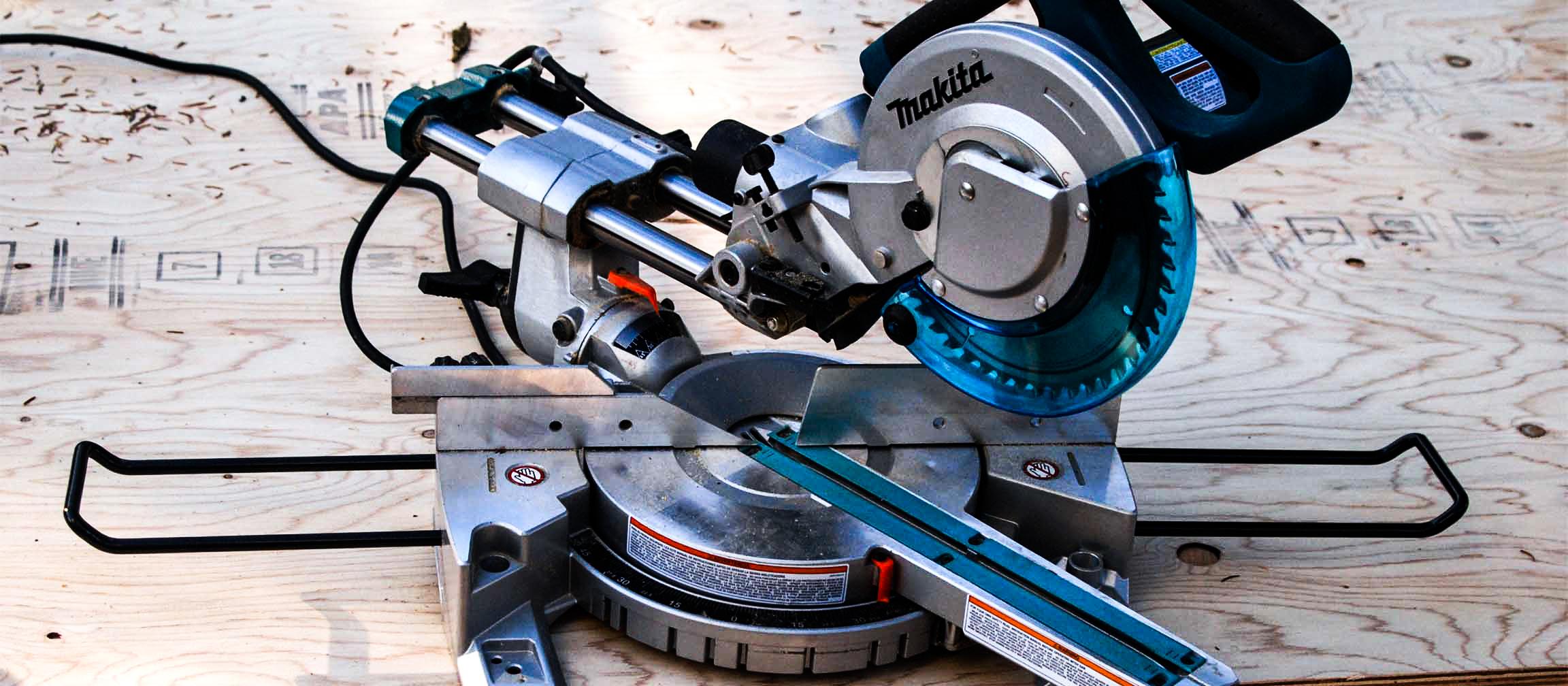 DIY Power  Tools - Makita Mitre Saw