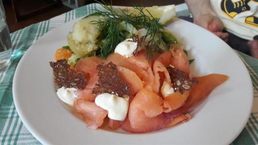 Vete-Katten Salmon Salad