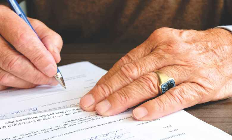 Photo of Important Risks to Consider Before You Co-Sign A Loan for Someone