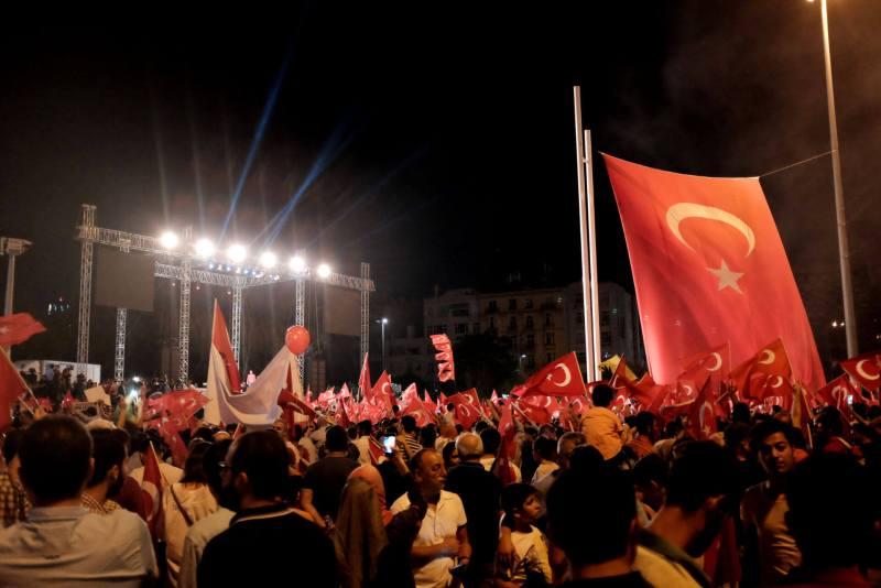 Taksim Platz 18.07.2016 - Erdogan Demo