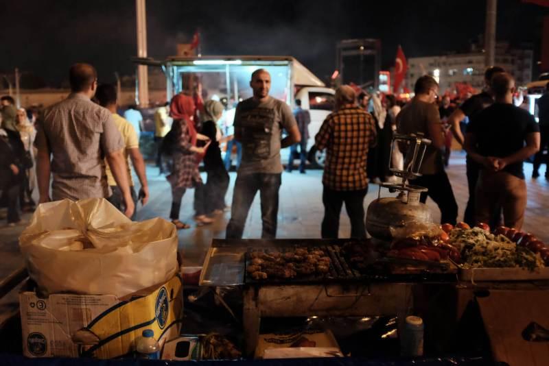 Taksim Platz 18.07.2016 - Köfte