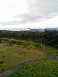 朝になりました…。まだ雲が残っています