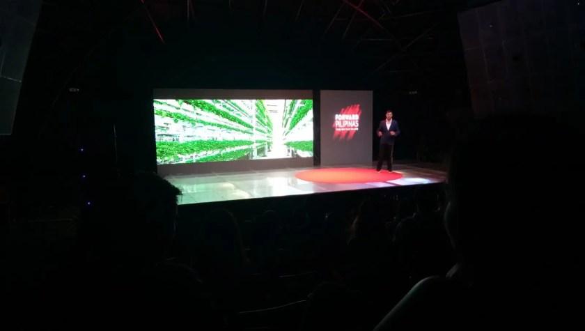 Man talking about Vertical Farming