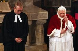 Benedicto XVI en iglesia luterana