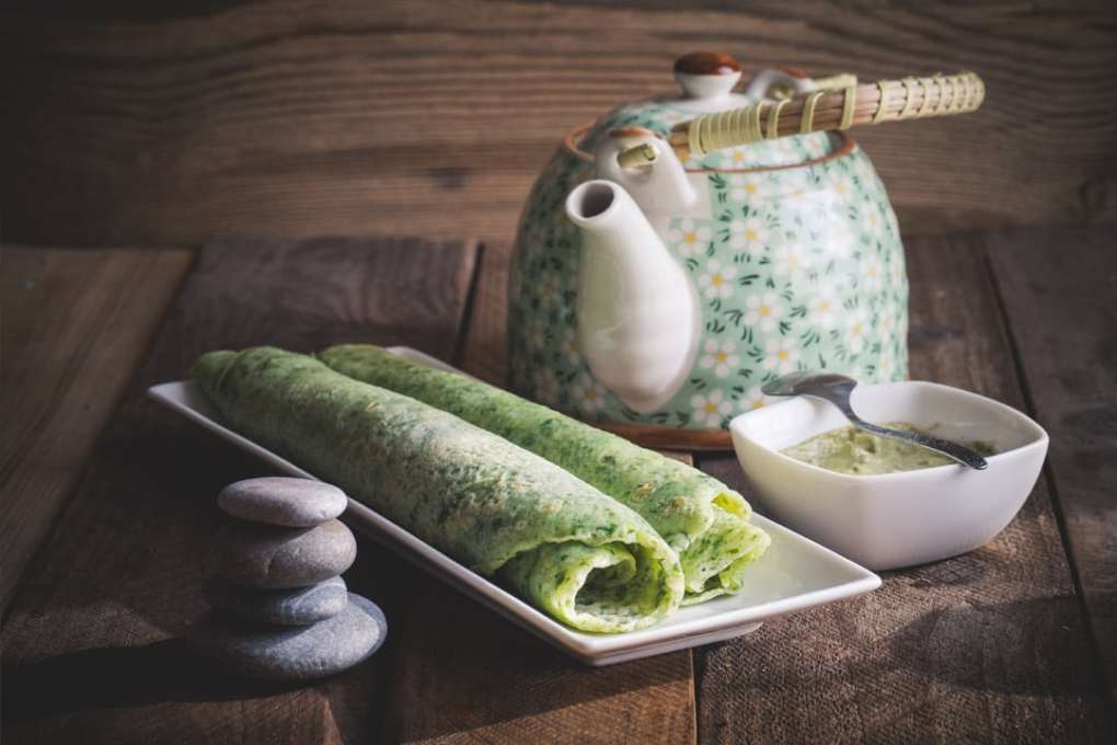 Brennnessel-Omelette-mit-Tee