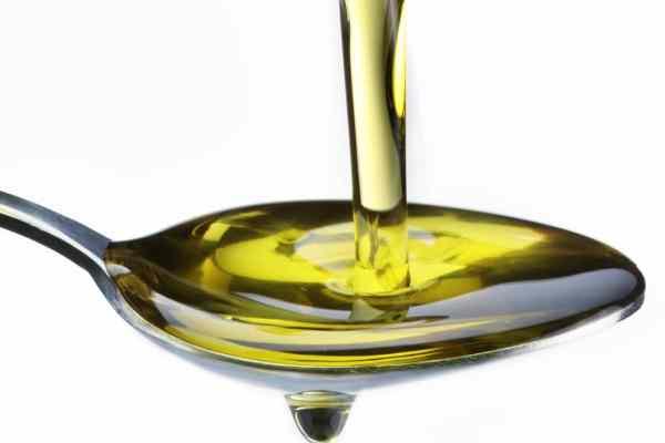 ein Teelöffel Olivenöl