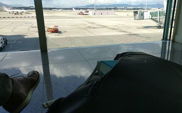 Las tres cosas imprescindibles para ir de aeropuerto en aeropuerto: ropa cómoda, maleta/s manejable/s y...la powerbank