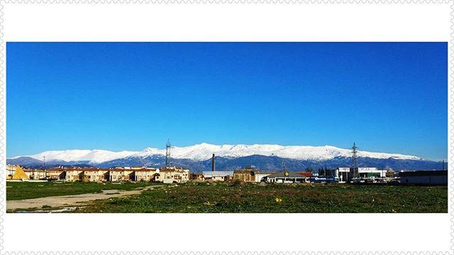 Esplendor primaveral en una perpetua e inmensa Sierra Nevada #Granada #España #igersspain #igersgranada #picoftheday