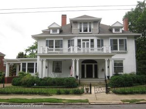 Historic home in Huntsville, Alabama with a Widow's Walk
