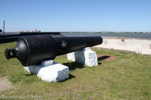Parrott guns on right face of Fort Sumter