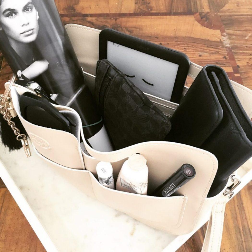 frauen und handtaschen